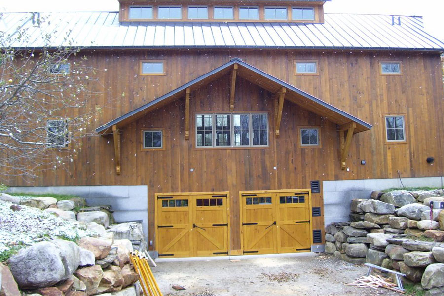 Sliding Garage Doors vs. Traditional Garage Doors
