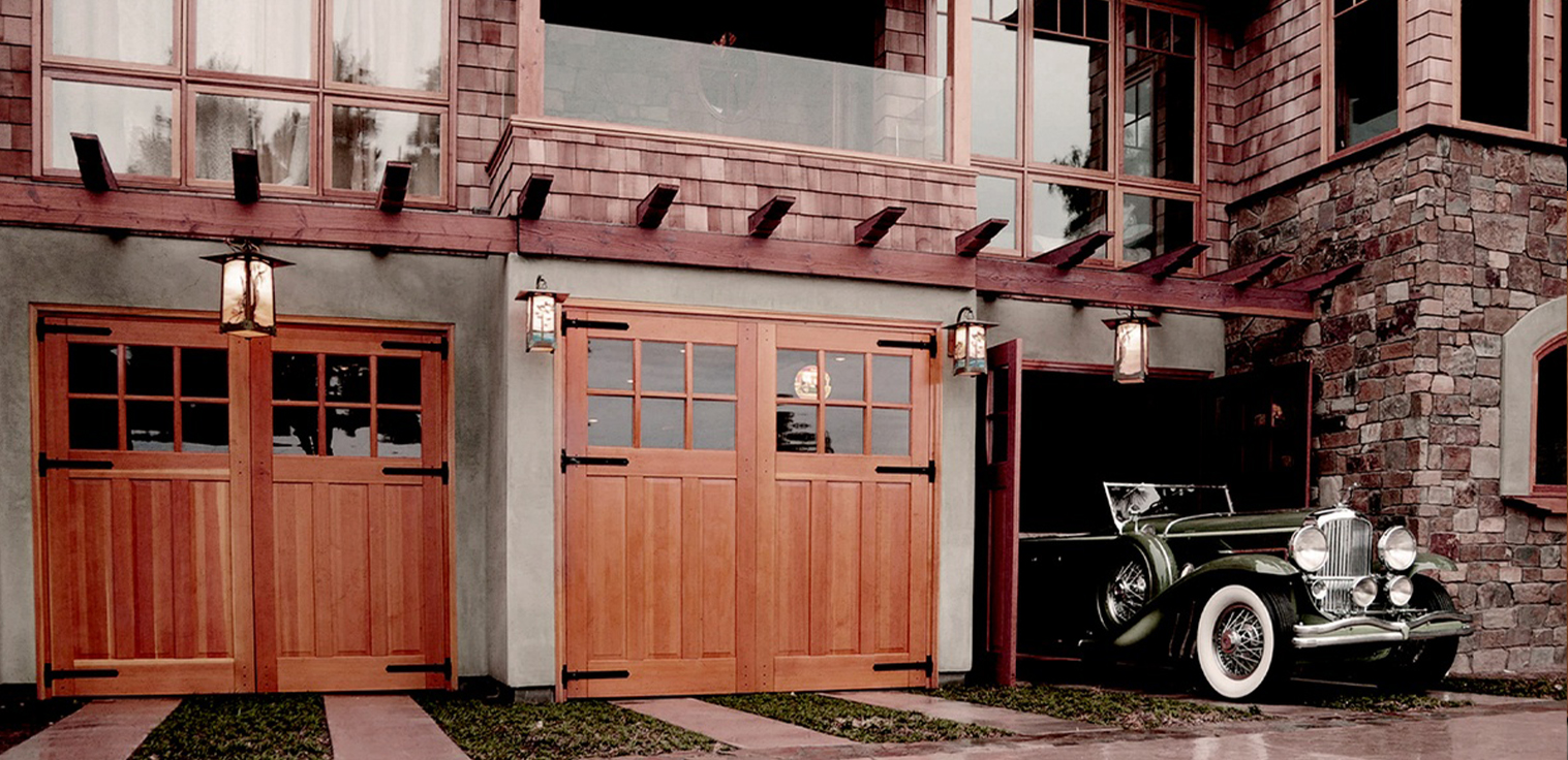 5 Advantages of Swinging Garage Doors